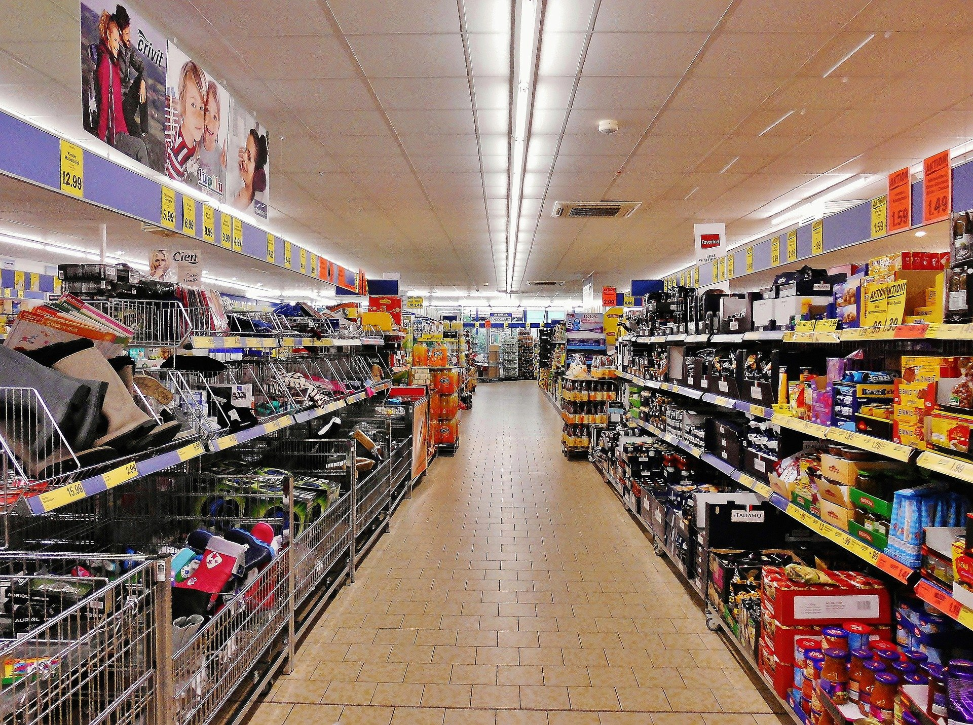 Supermarkten profiteren van coronacrisis; levensmiddelenindustrie niet